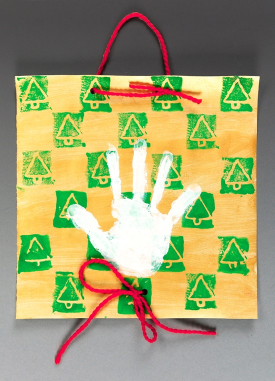 Christmas Decorations Lesson Plans : Holiday handprint banner crayola